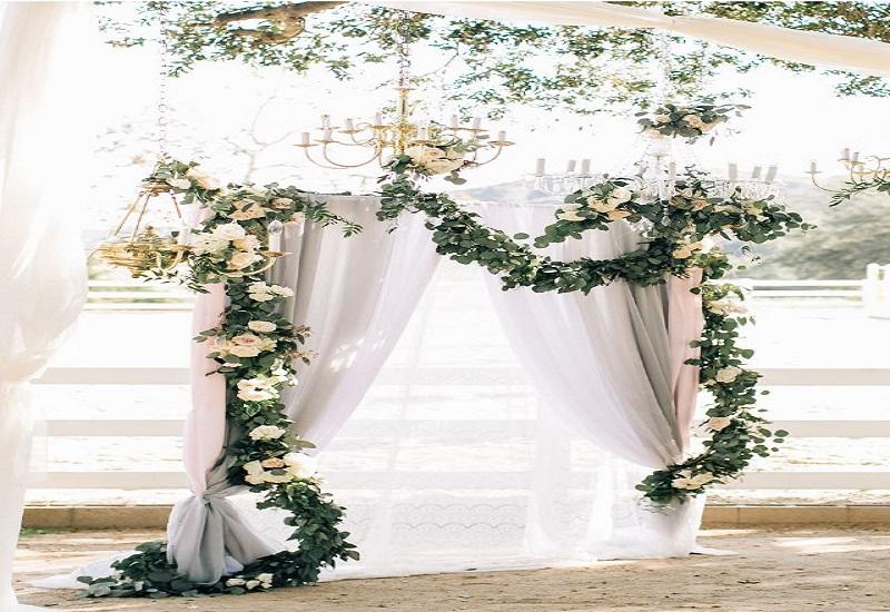 ساخت طاق گل برای مراسم عروسی