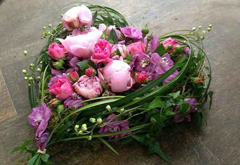 گل آرایی به شکل قلب